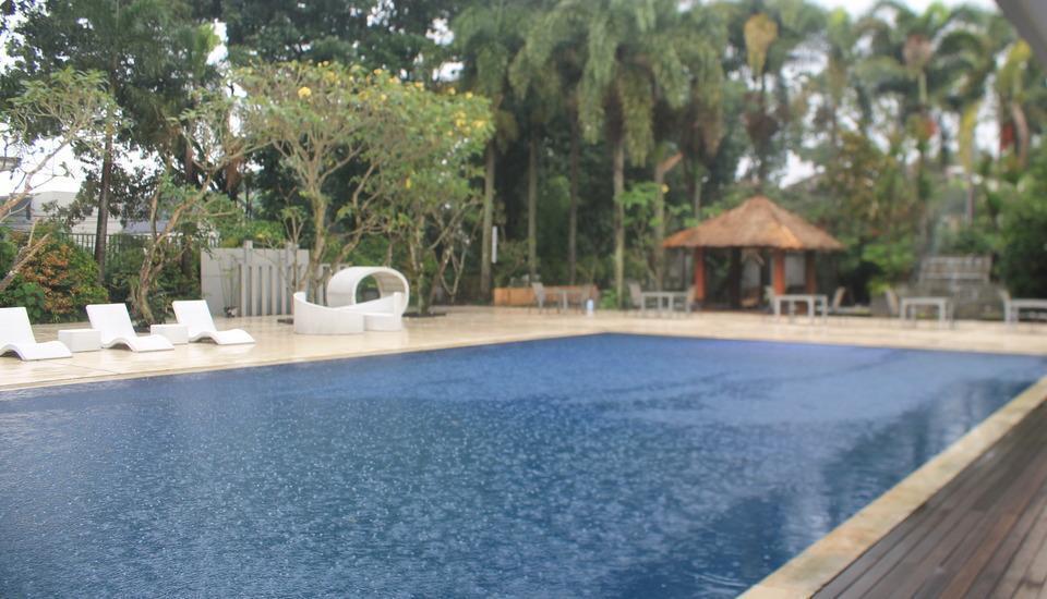 Grand Ardjuna Bandung - Pool