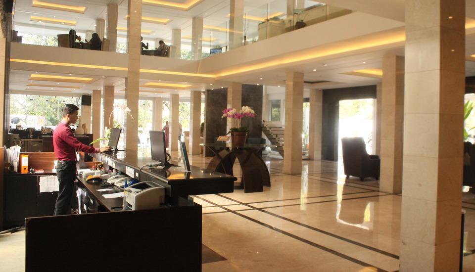 Grand Ardjuna Bandung - Lobby