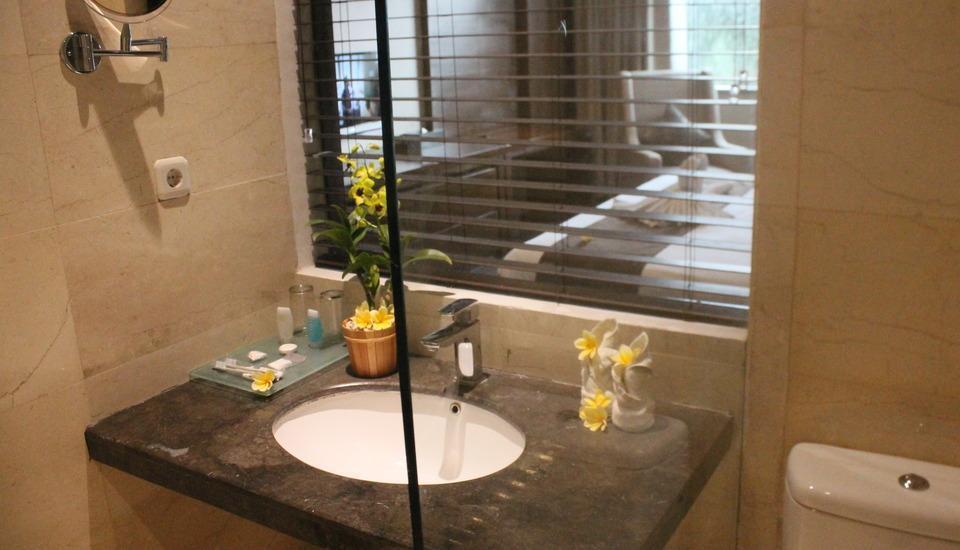 Grand Ardjuna Bandung - Bathroom