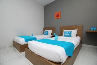 Airy Bandara Ahmad Yani Semarang - Standard Twin Room Only Regular Plan