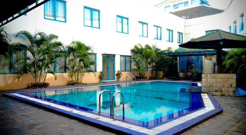 Grand Cikarang Hotel Bekasi - 11