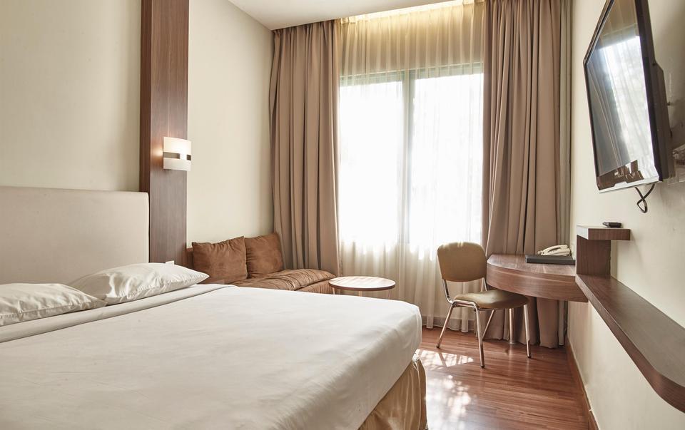 Grand Cikarang Hotel Bekasi - Deluxe Tanpa Sarapan Pagi Regular Plan