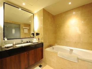 Discovery Hotel Ancol - Deluxe Suite with Breakfast Promo Discount 10%