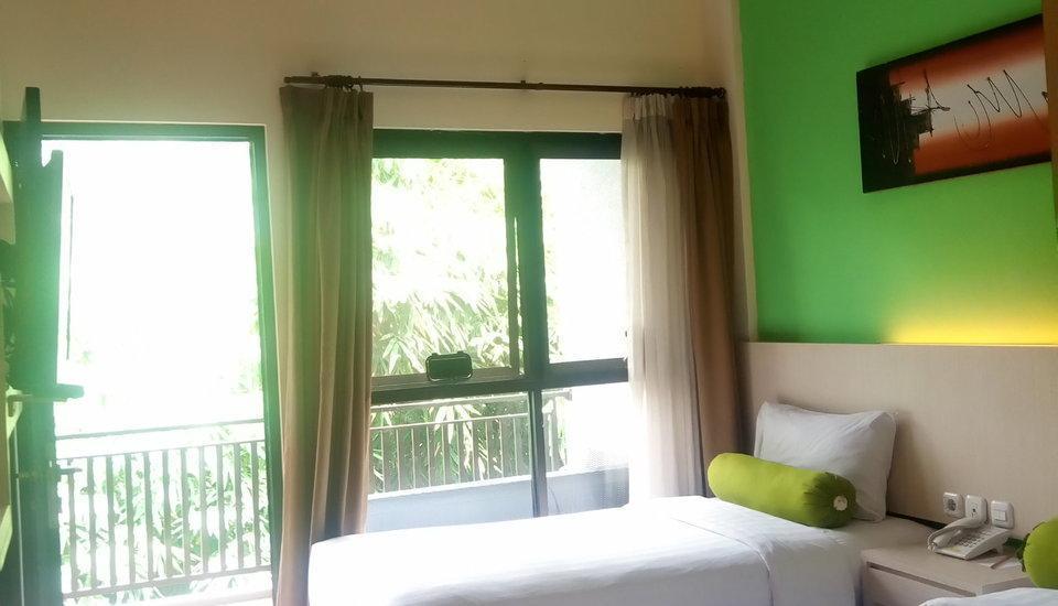 The Green Forest Resort Bandung - Superior Twin Room    Regular Plan