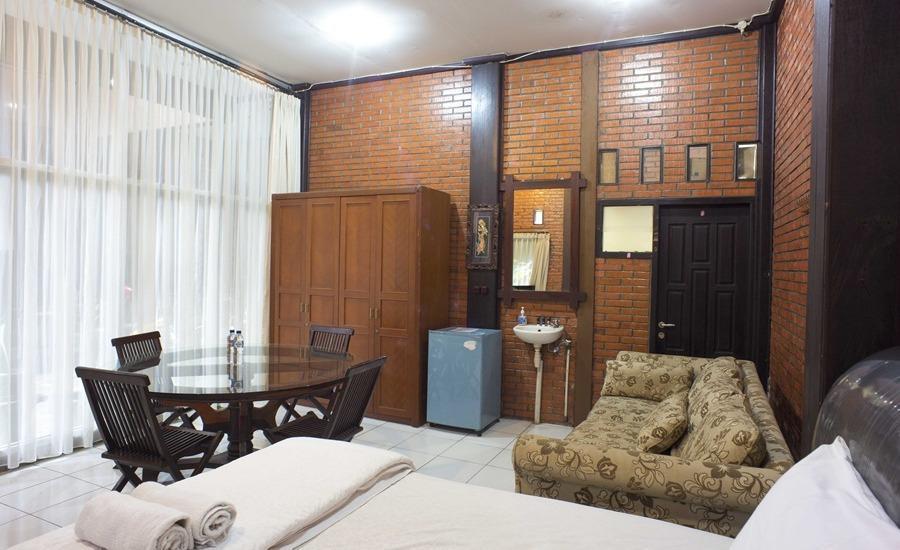 RedDoorz @Cilandak Timur Jakarta - Kamar tamu