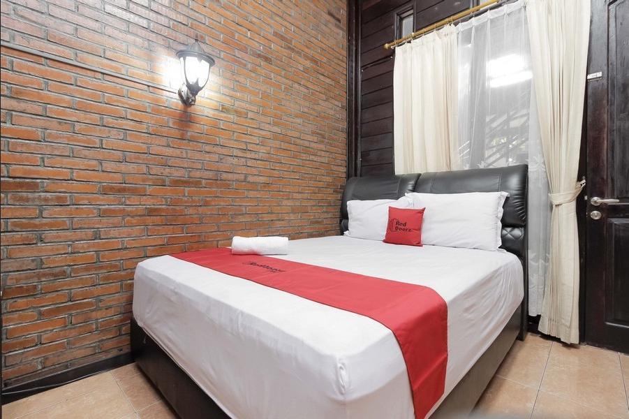 RedDoorz @Cilandak Timur Jakarta - RedDoorz Room Regular Plan