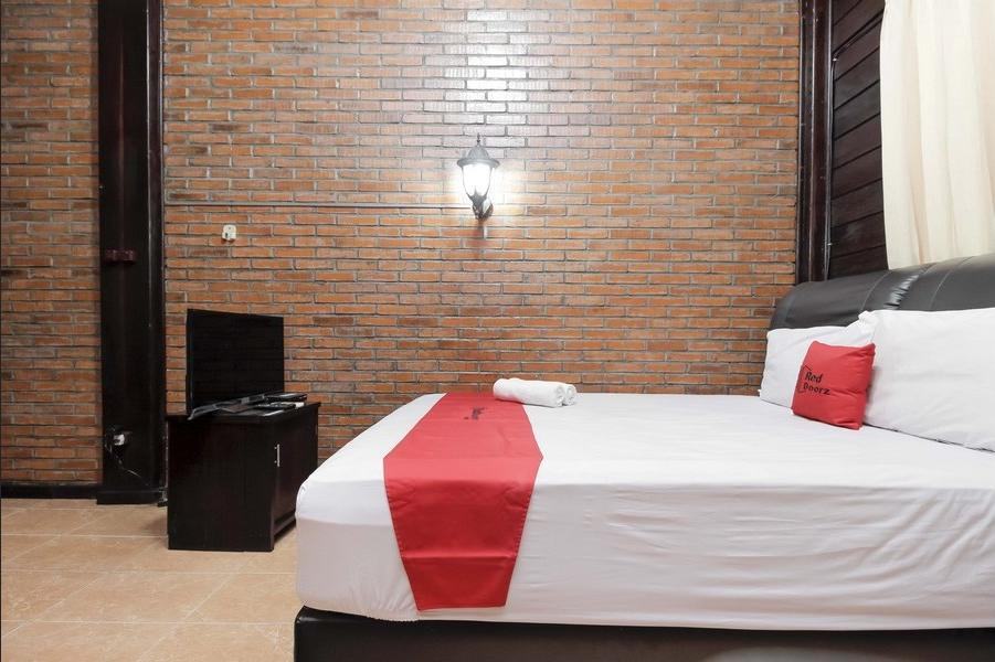 RedDoorz @Cilandak Timur Jakarta - RedDoorz Premium Room Regular Plan