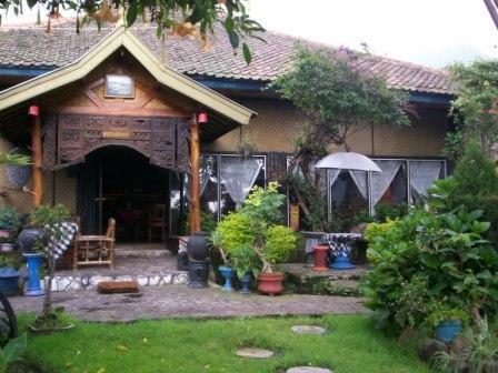 Yoschi's Hotel Probolinggo - 24/11/2014