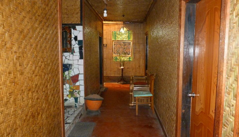 Yoschi's Hotel Probolinggo - Standard Room #WIDIH - Pegipegi Promotion