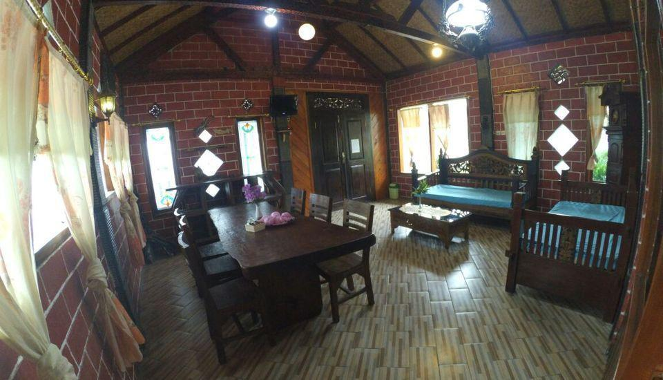Yoschi's Hotel Probolinggo - villa.
