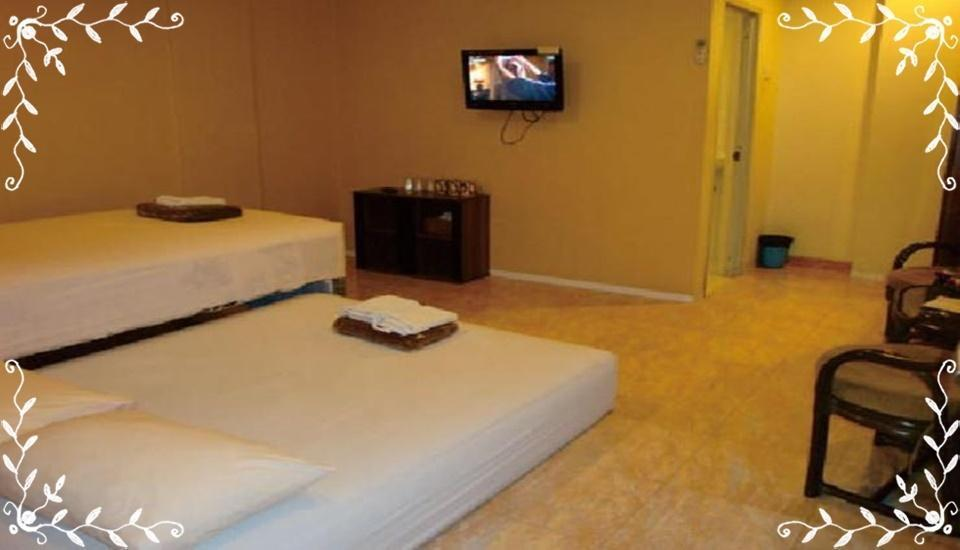 Galaxy Hotel Surabaya Surabaya - Deluxe Twin 3 Room Only Regular Plan