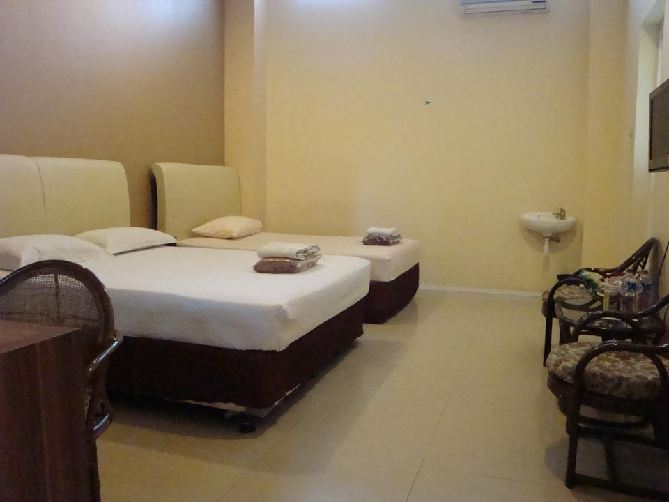 Galaxy Hotel Surabaya Surabaya - Family 3 Room Only Regular Plan