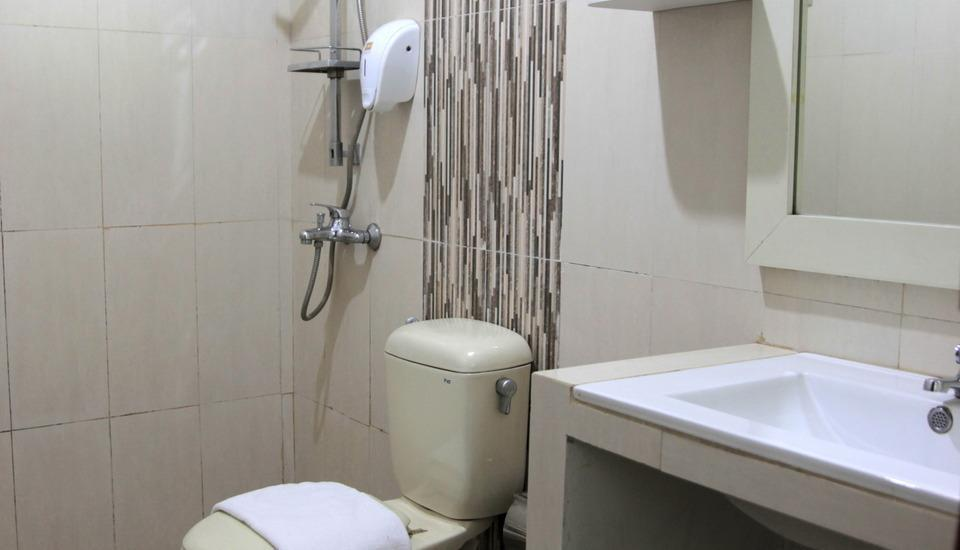 Hotel Cihampelas 3 Bandung - bathroom