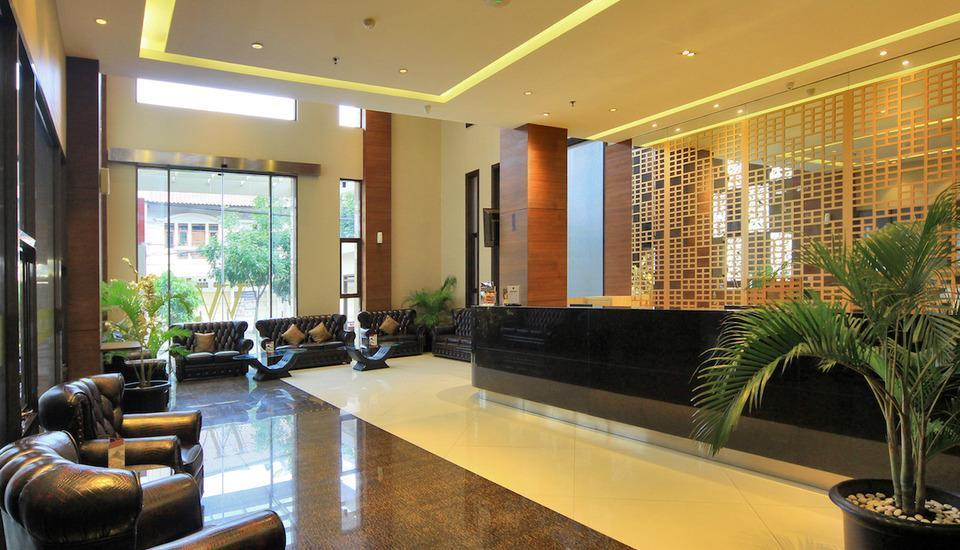 West Point Hotel Bandung - Lobby