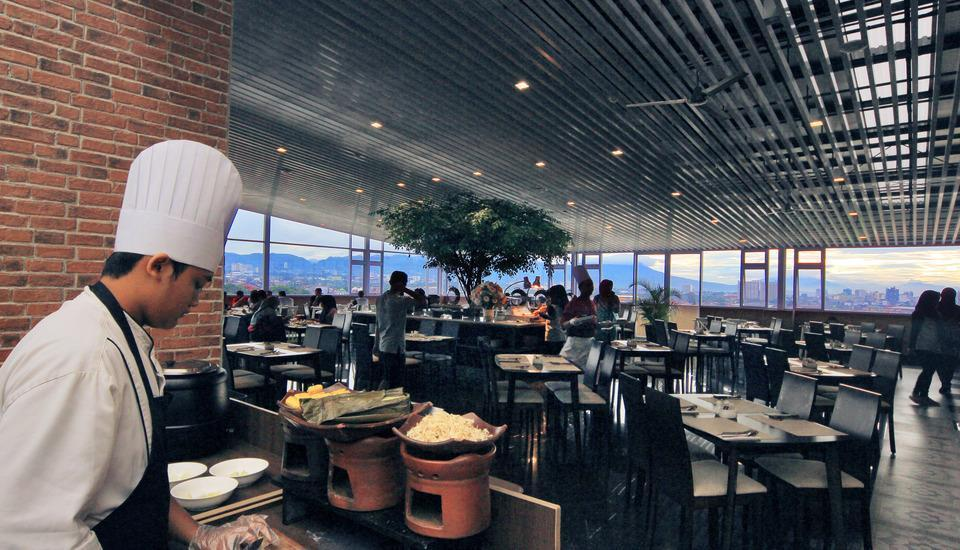 West Point Hotel Bandung - Tempat Makan