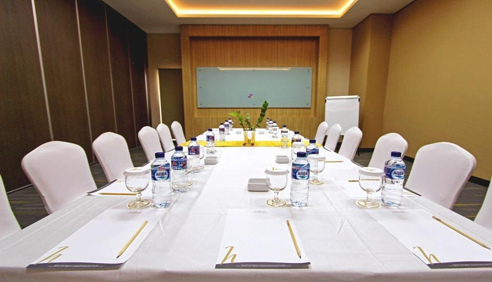Horison Sky Kualanamu Medan - MEETING ROOM