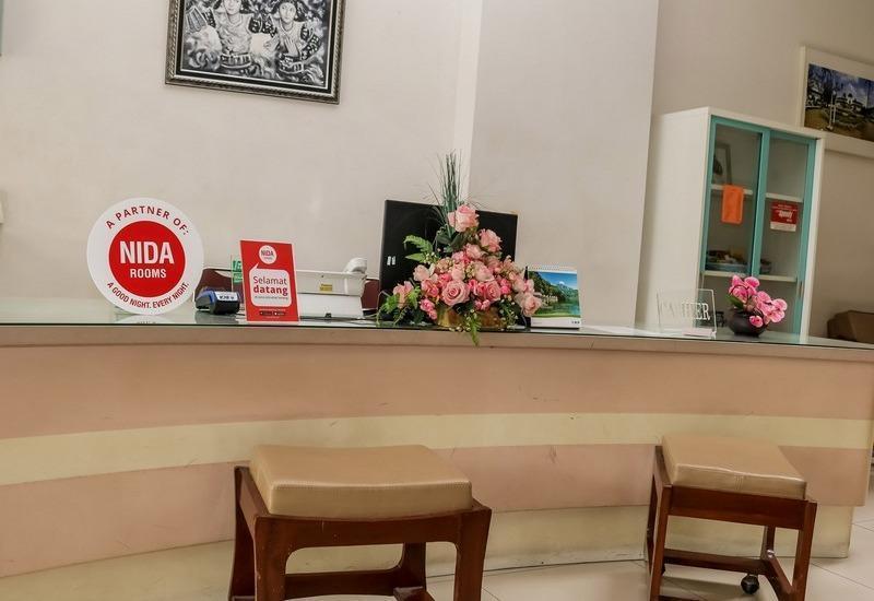 NIDA Rooms Lenkong Besar 62 Bandung - Resepsionis