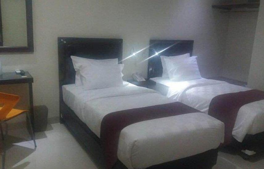 Atlantic Hotel Ambon Ambon - Deluxe Room With Breakfast Regular Plan
