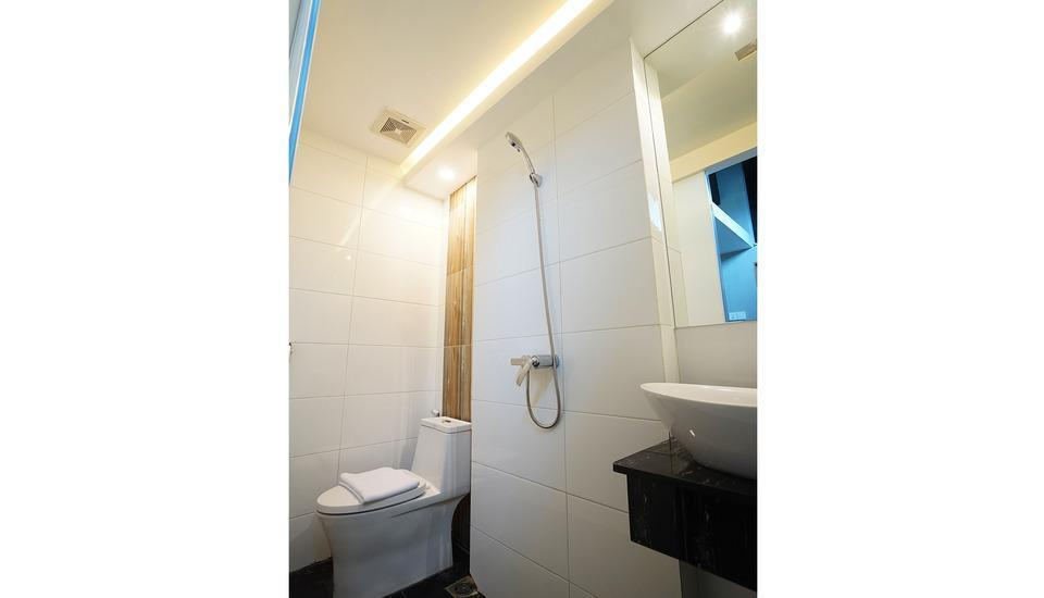 The Lively Hotel Kualanamu Medan - TOILET