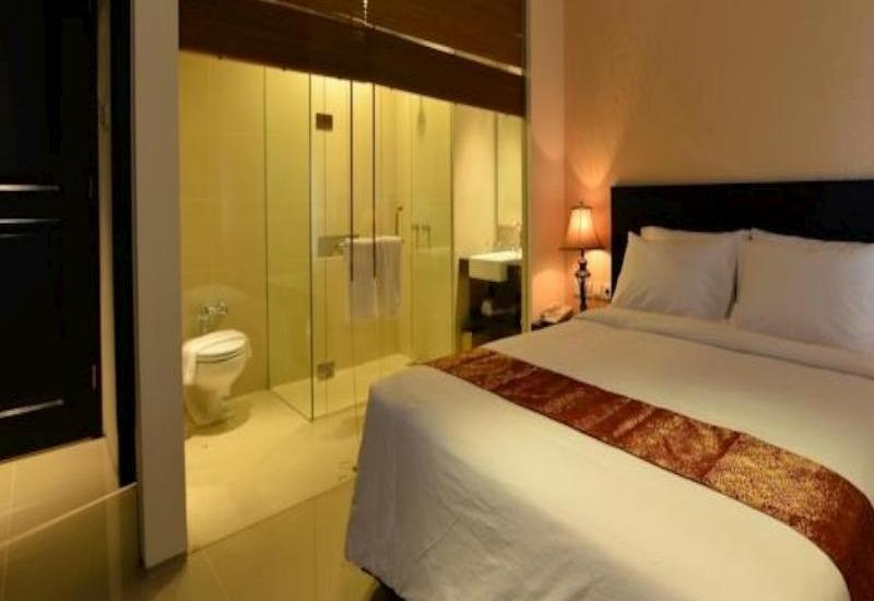 Emilia Hotel by Amazing Palembang - Kamar Deluxe - Non Smoking Regular Plan