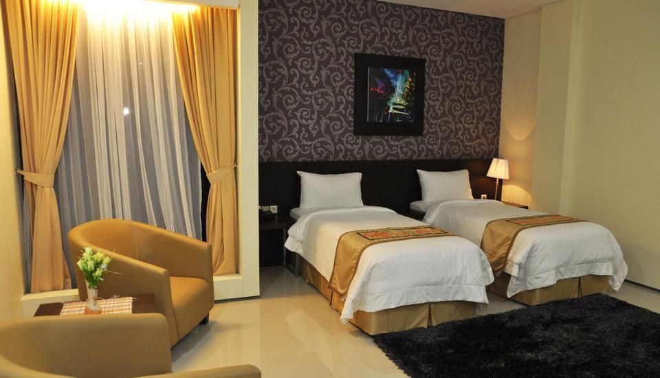 Regina Hotel Pemalang - Deluxe Room Regular Plan