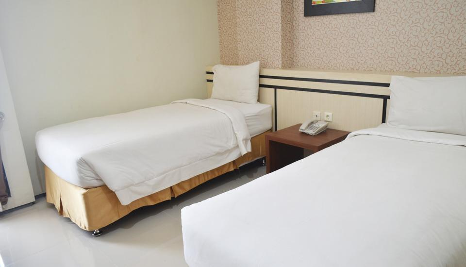 Regina Hotel Pemalang - Standard Room Regular Plan