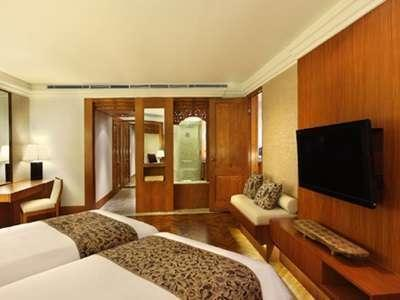 Nusa Dua Beach Hotel Bali - Kamar Suite Palace Club with - Breakfast breakfast