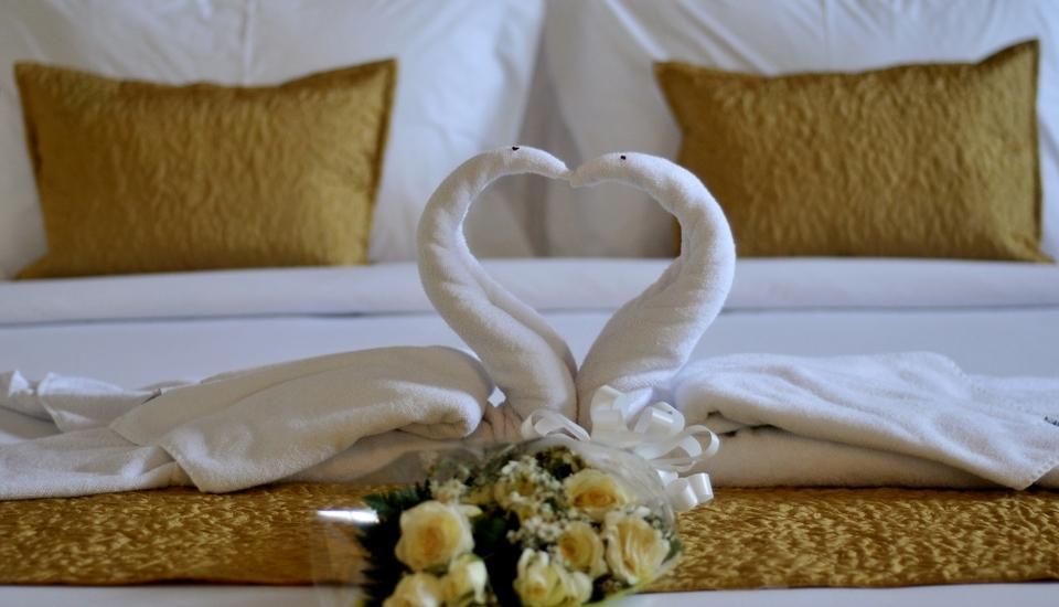 Marbella Pool Suites Seminyak - Kamar Pengantin Set-Up