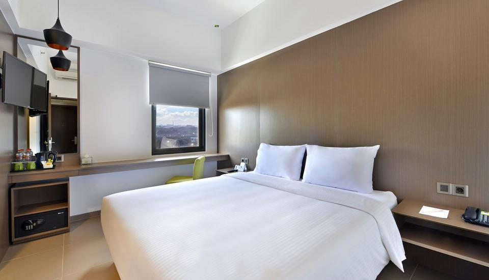 Whiz Prime Hotel Malioboro Yogyakarta - Superior King