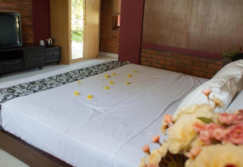 Rizen Kedaton Hotel Bogor - Deluxe Room
