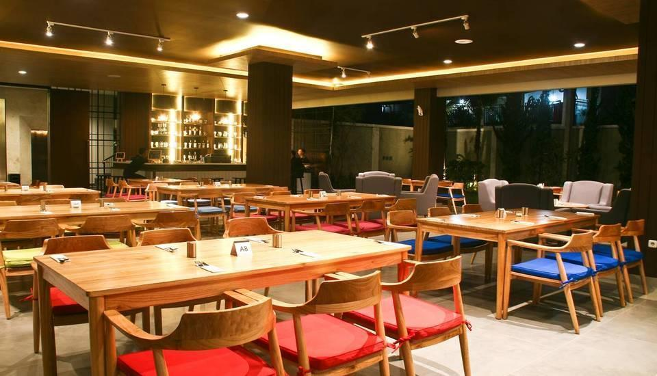 Balcony Hotel Sukabumi - Ruang makan