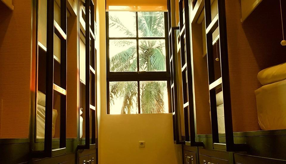 Pod House Makassar Makassar - Business POds
