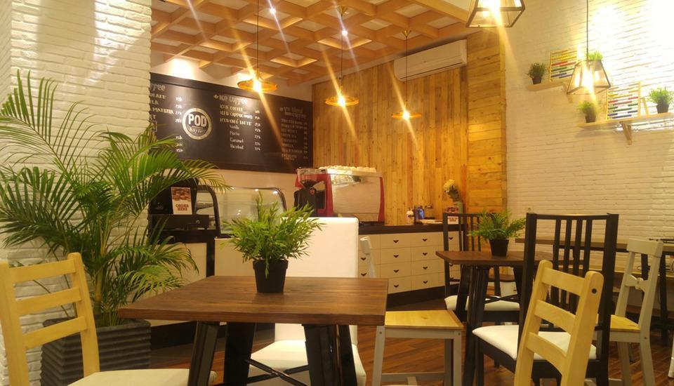 Pod House Losari Makassar - Cafe