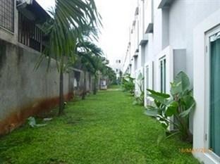 Hotel N2 Jakarta - Exterior