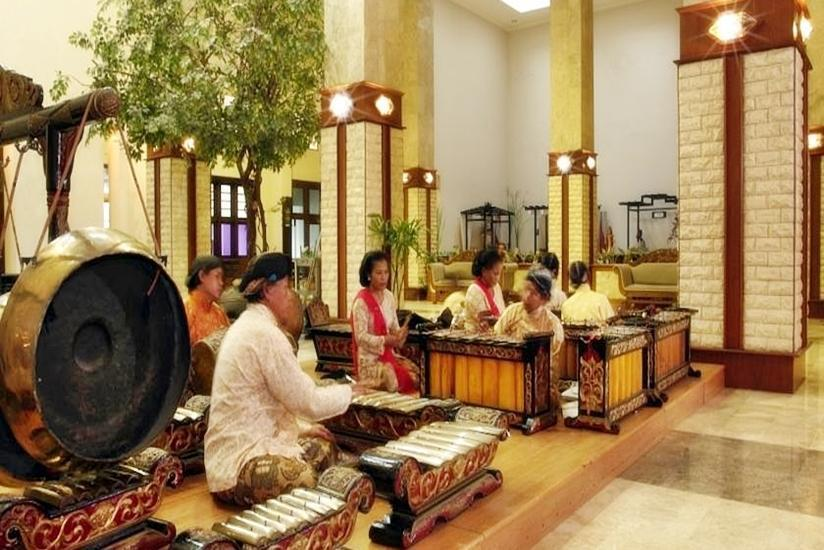 Grand Inna Malioboro - Gamelan