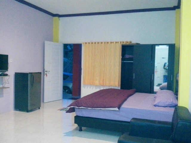 Emweka Guest House Balikpapan - Executive Family Room Regular Plan