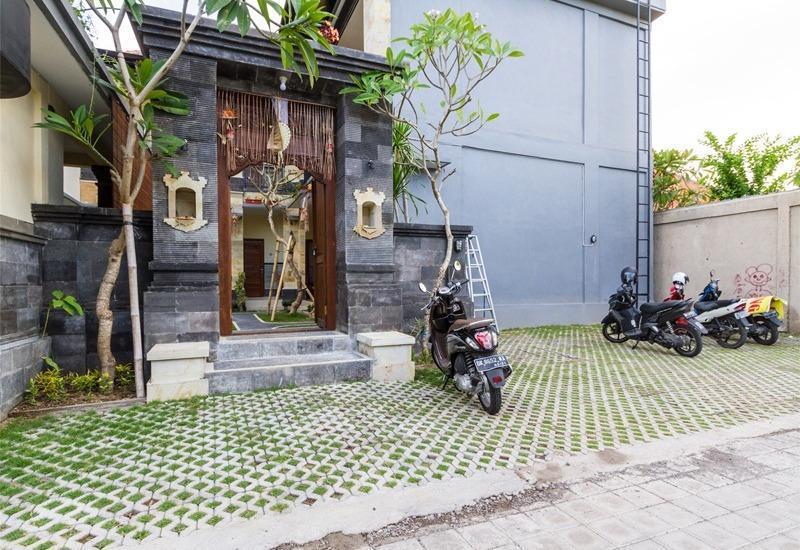 RedDoorz @Subak Sari Seminyak Bali - Eksterior