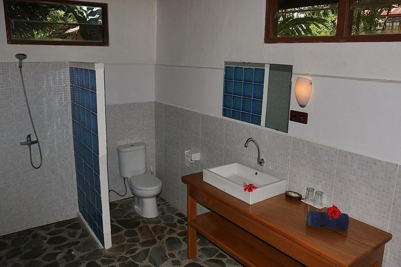 Mapia Resort Manado - Kamar mandi