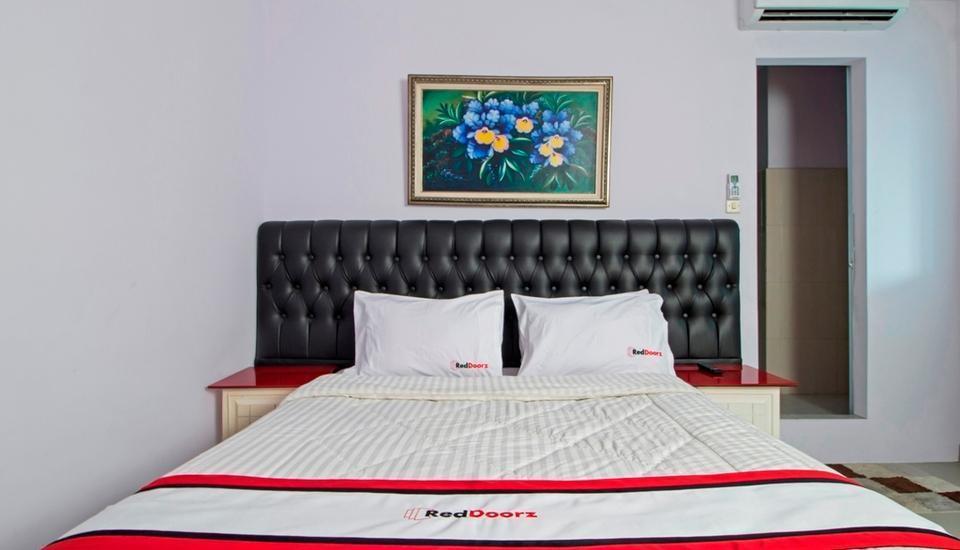 RedDoorz @Guntur Raya Setiabudi 1 Jakarta - Reddoorz Room Regular Plan