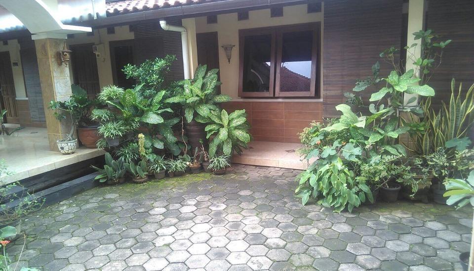 Adalia Homestay Semarang - Exterior