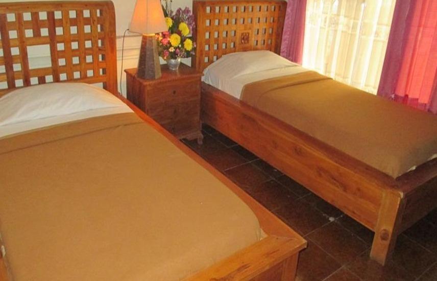 Ayu Beach Inn Bali - Kamar tamu