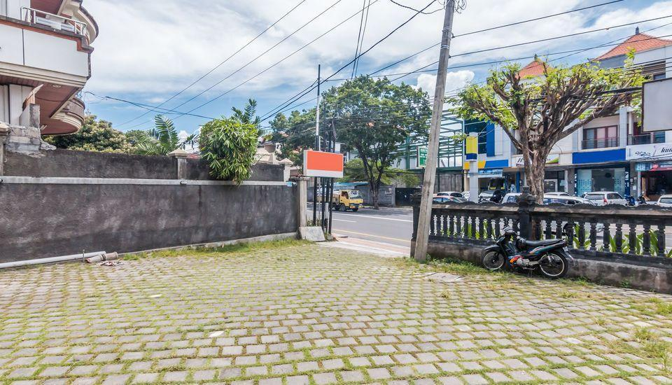 ZenRooms West Gatot Subroto Denpasar - Area parkir