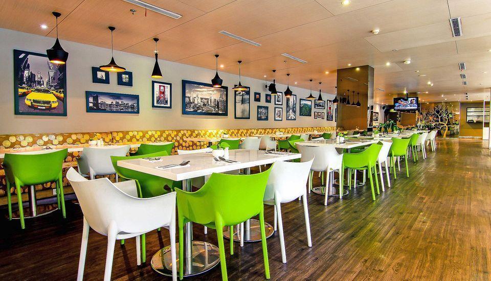 ZEN Premium Pancoran Jakarta - Kafe