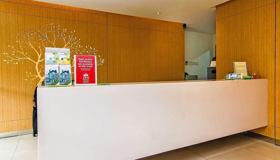 ZEN Premium Pancoran Jakarta - Resepsionis