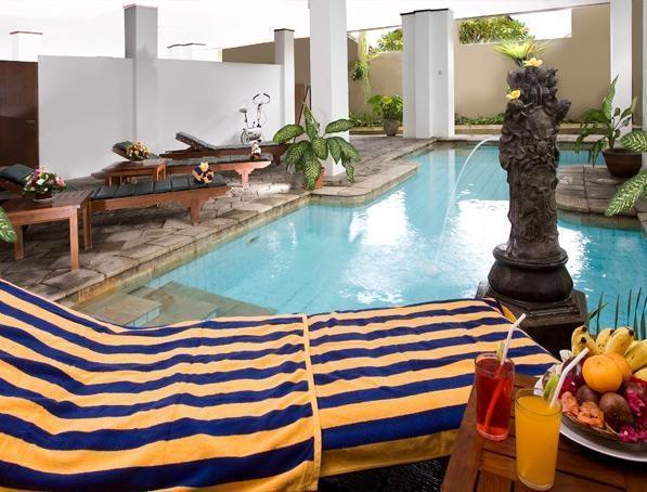 Hotel Ratna Bali - Kolam Renang