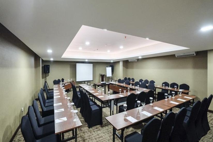 LYNN Hotel Yogyakarta - Ruang Rapat