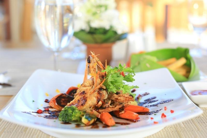 The Adma Umalas Resort Bali - Makanan