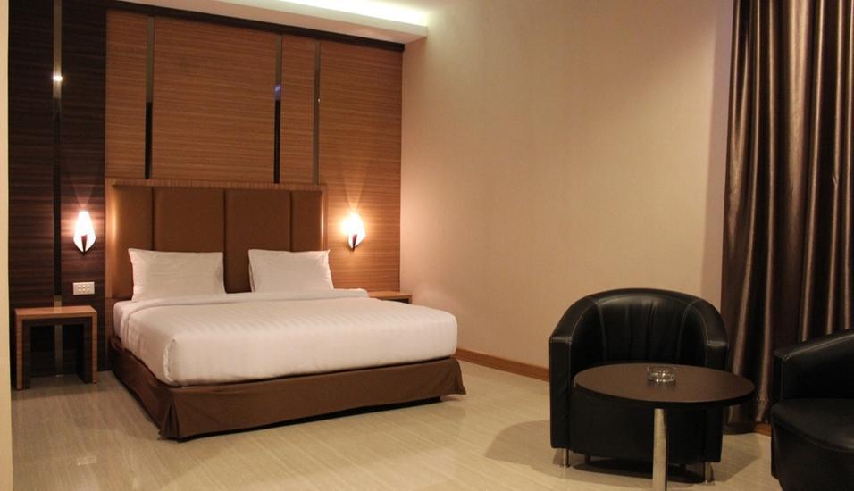 M One Hotel Batam - Deluxe Room Regular Plan