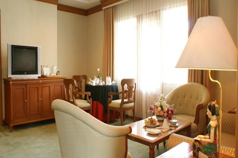 Kusuma Sahid Prince Hotel Solo - Ruang tamu