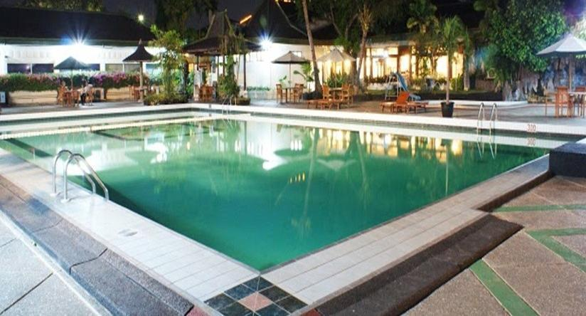 Kusuma Sahid Prince Hotel Solo - Kolam Renang